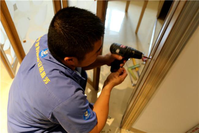 左右手家居安装丨家具拆装过程大揭秘