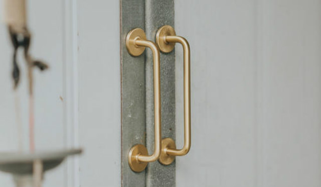 安装衣柜门把手的正确方法,衣柜门把手安装过程