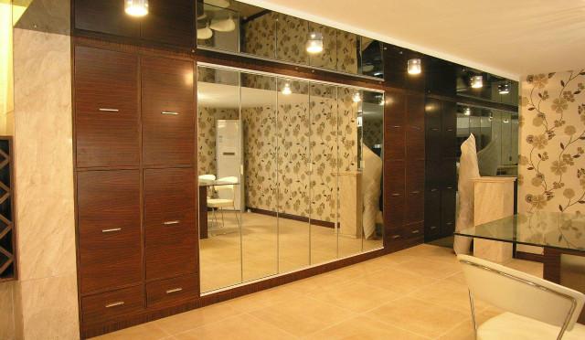 定制衣柜镜子正确安装流程,安装过程分几步进行