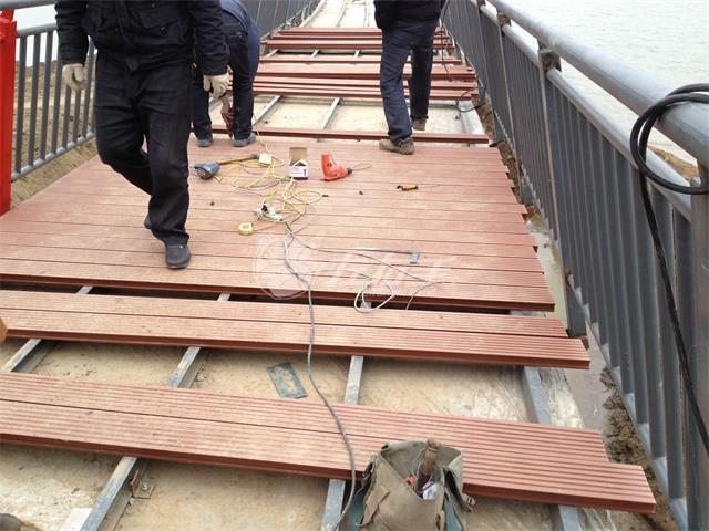 塑木地板如何选择?塑木地板安装需要注意什么?